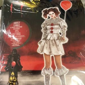 Brand new ladies large Pennywise costume
